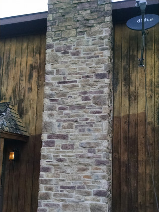 Manufactured Stone Veneer w/Joints